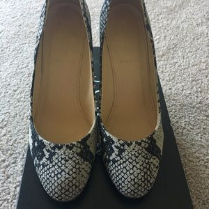 J. Crew Shoes - Jcrew Mona printed snakeskin pump size 8